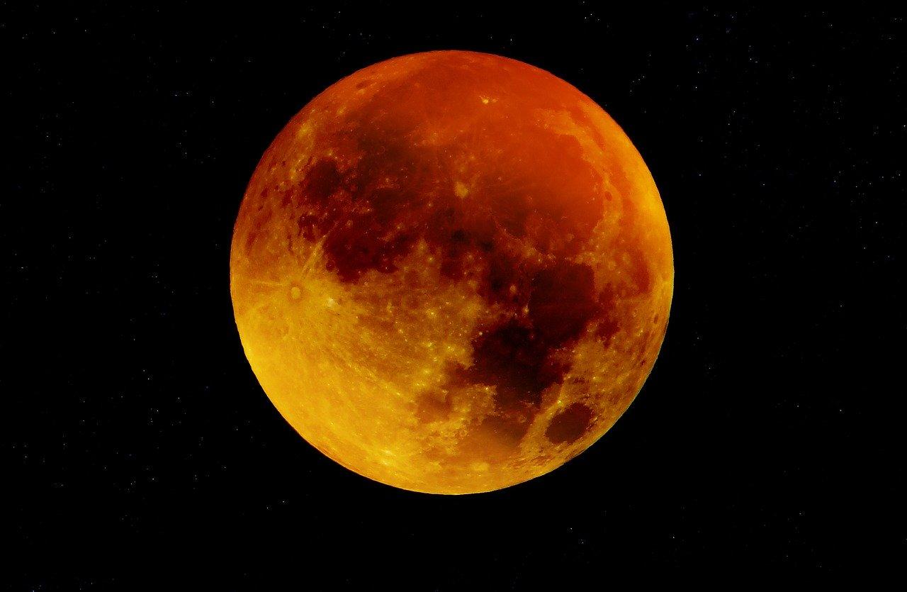 Ay'ın Yüzeyi Uzun Yıllar Lavla Kaplı Olduğu